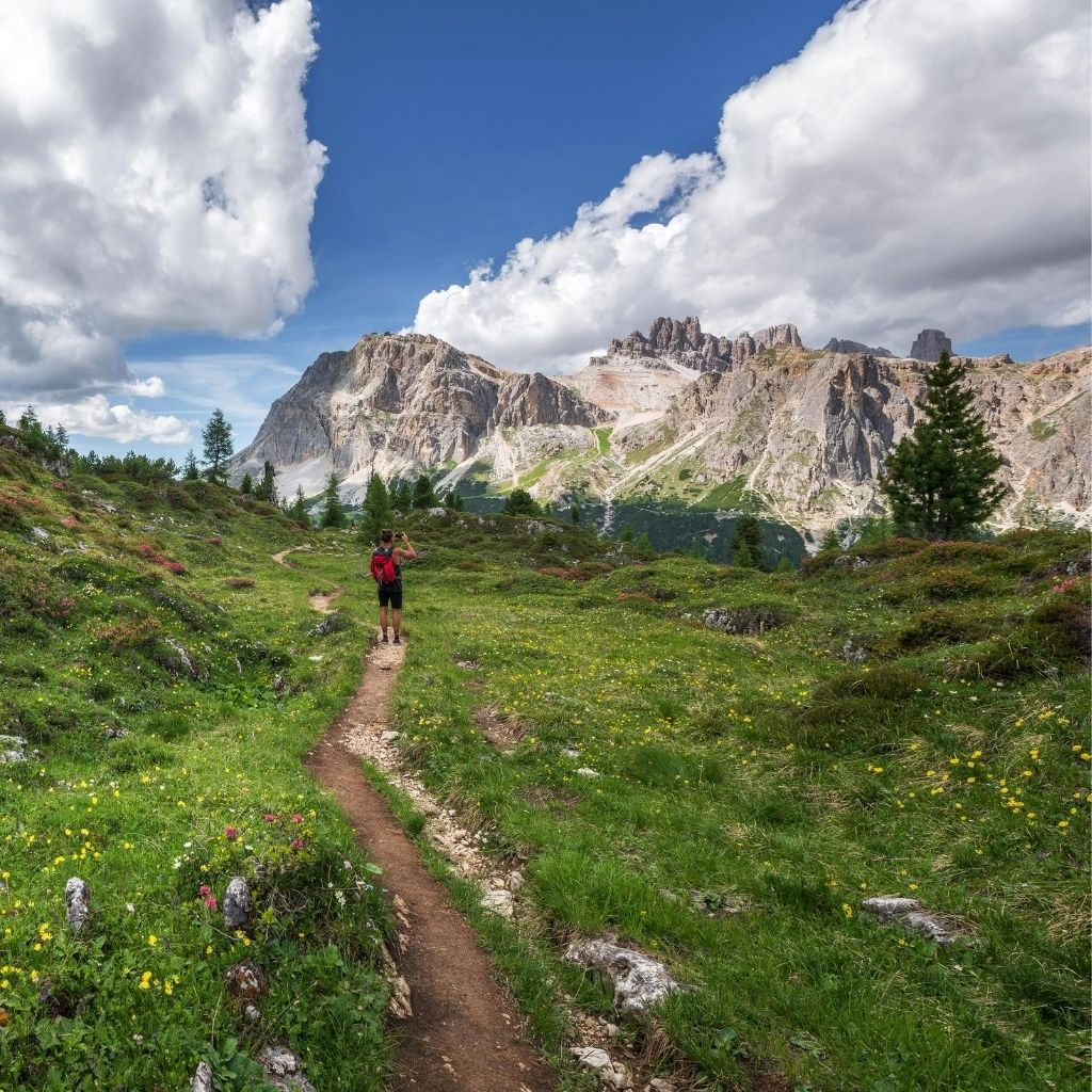 Hiking Tips for Beginners min