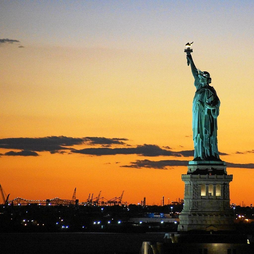 Statue of Liberty Cheap Vacation min