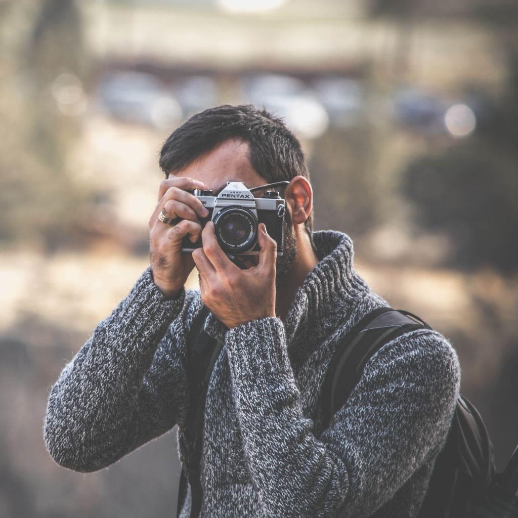 Planning a Destination Wedding Photographer min