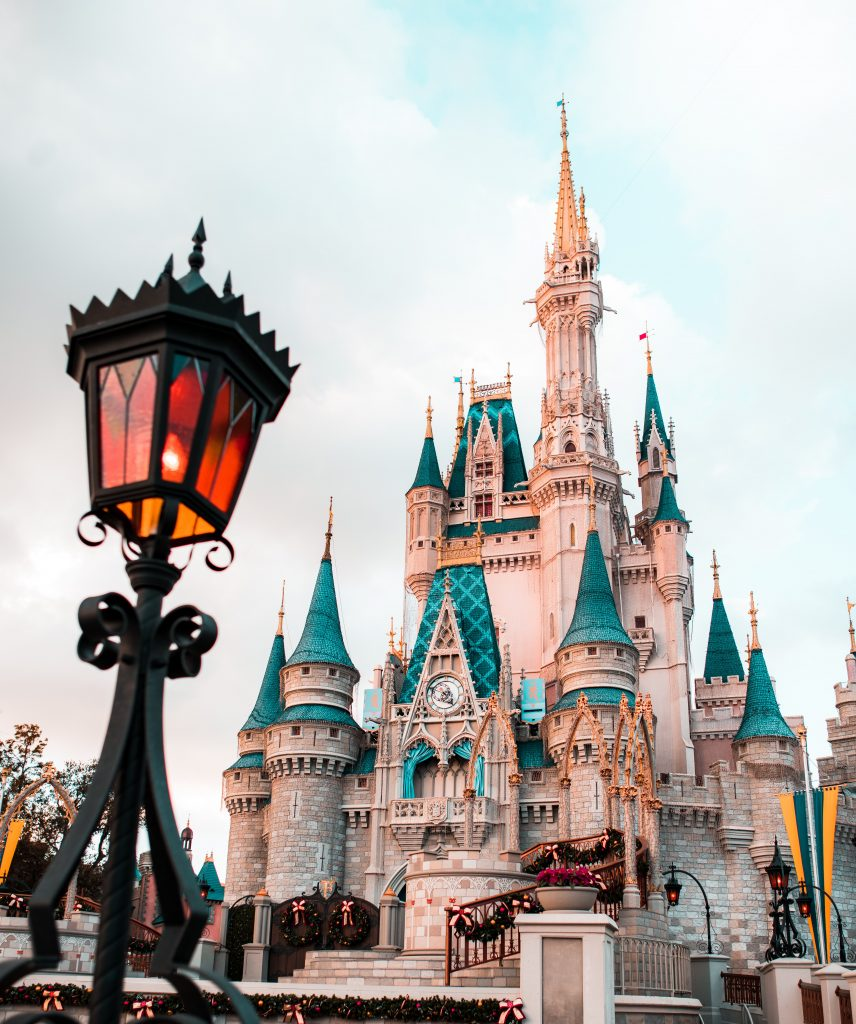5 Ways How To Avoid Long Lines At Disneyland